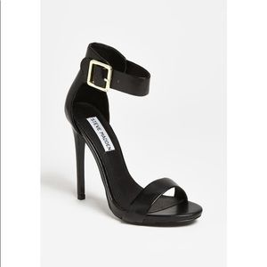 Steve Madden Marlenee Black Leather Stiletto Ankle
